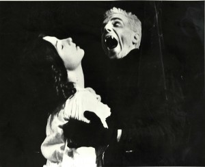 Dracula (1984). L-R - Judy Holt (Lucy), Daniel Day Lewis (Dracula). Photo by John Haynes (1)