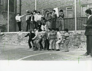 Davis Mansions Playground, 1978. Image courtesy of the Tower Hamlets Local History Library and Archives.